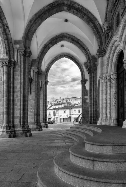 Evora Cathedral BW